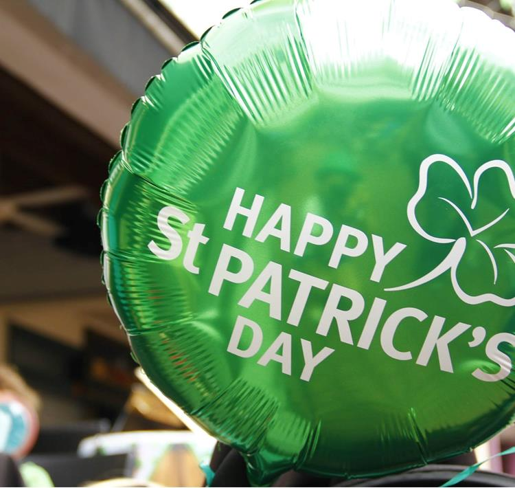 St-Patricks-Day.-Pic-©-Hongreddotbrewhouse-Wikimedia-Commons (1)